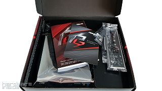 ASRock B365M Phantom Gaming 4 - 11